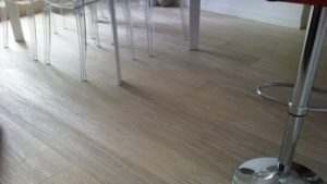 pulizia pavimenti linoleum e gomma