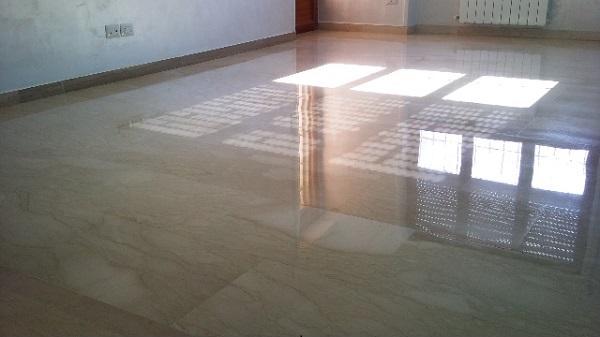 Top Arrotatura pavimenti in pietra naturale - La Familiare pulizie e VJ18