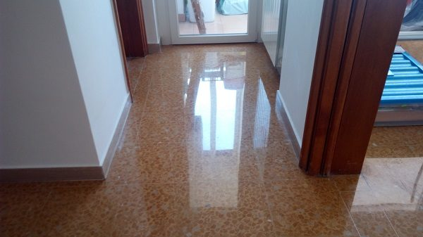 lucidatura pavimenti in marmittoni