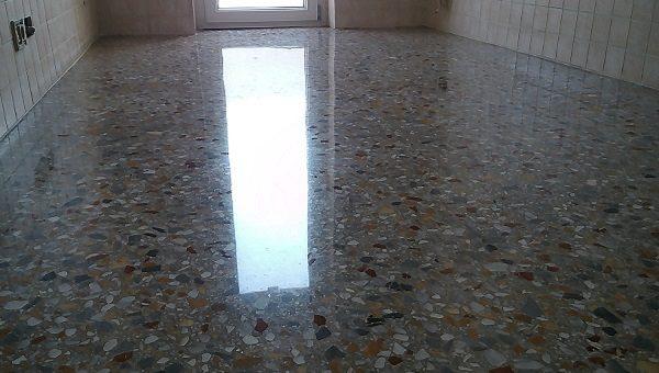Pulizia Pavimenti Marmo.Arrotatura Pavimenti Graniglia Di Marmo La Familiare