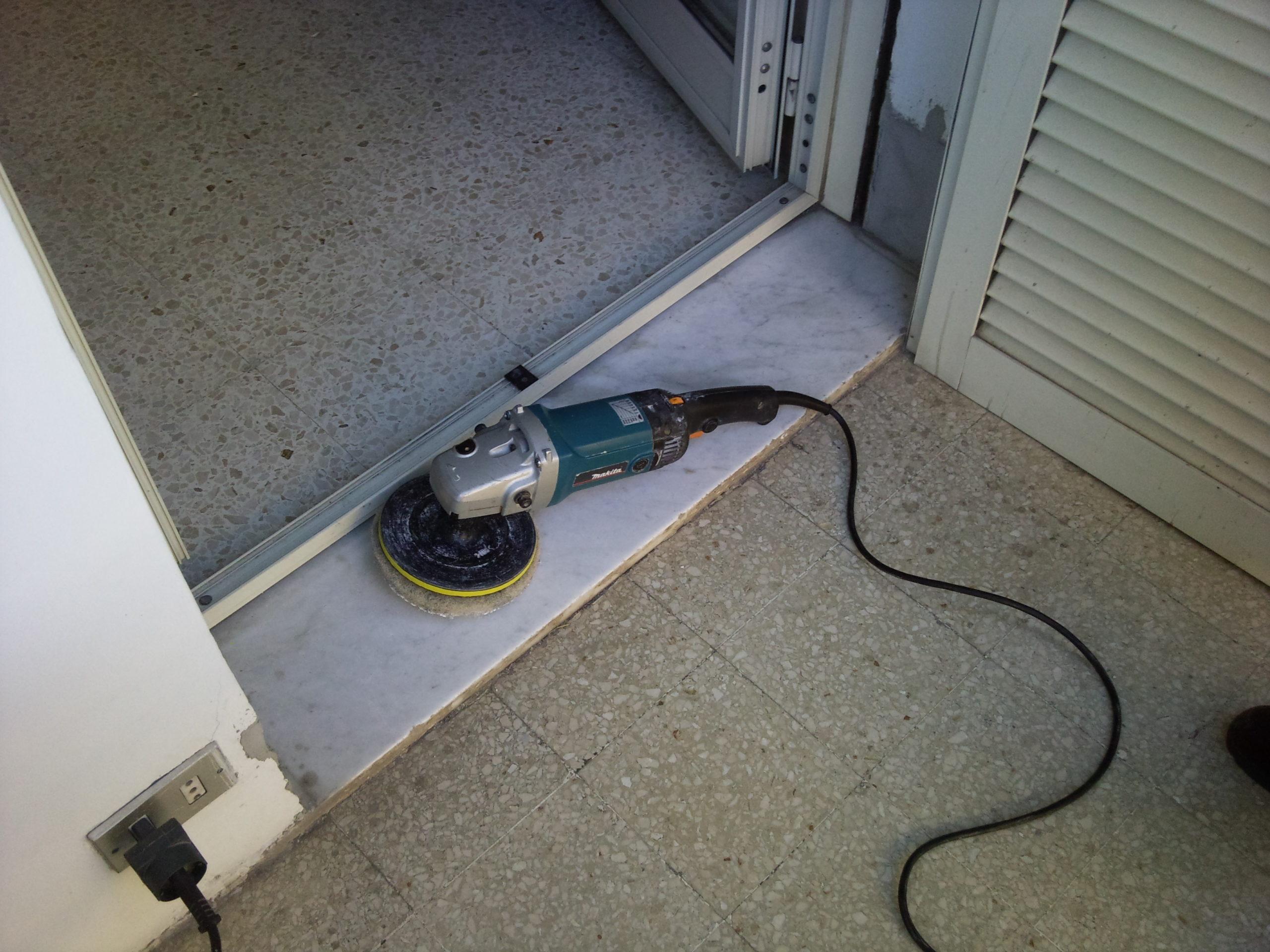Lavorazione e pulilzia soglie balconi - pulizieserviziroma.it