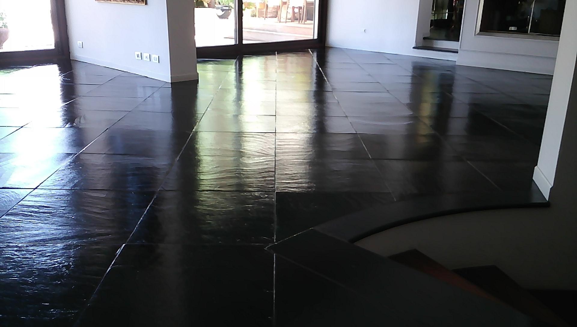 trattamento pavimento in ardesia lucido - La Familiare - pulizieserviziroma.it